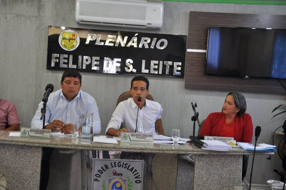 Resultado de imagem para VEREADORES CAMARA TUPARETAMA SESSÃO